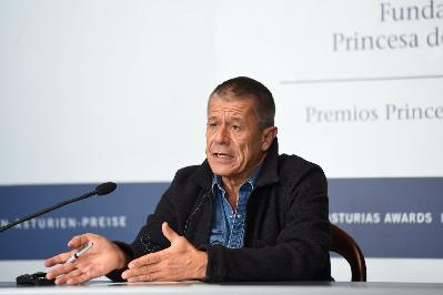 Press conference with Emmanuel Carrère