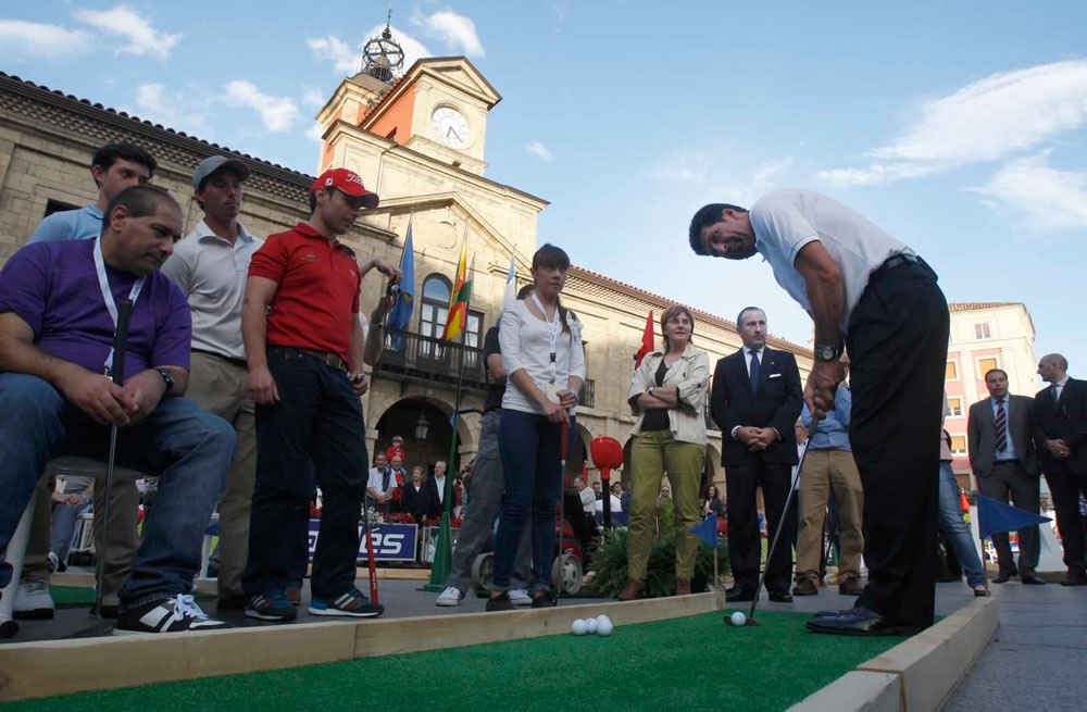 "José María Olazábal at the ""Avilés City Putt"""