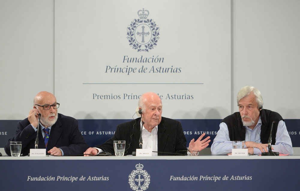 Press conference with Peter Higgs, François Englert and Rolf Heuer, President of CERN