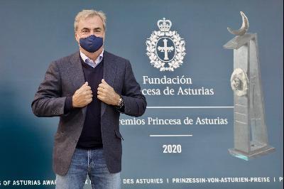 Llegada de Carlos Sainz Cenamor