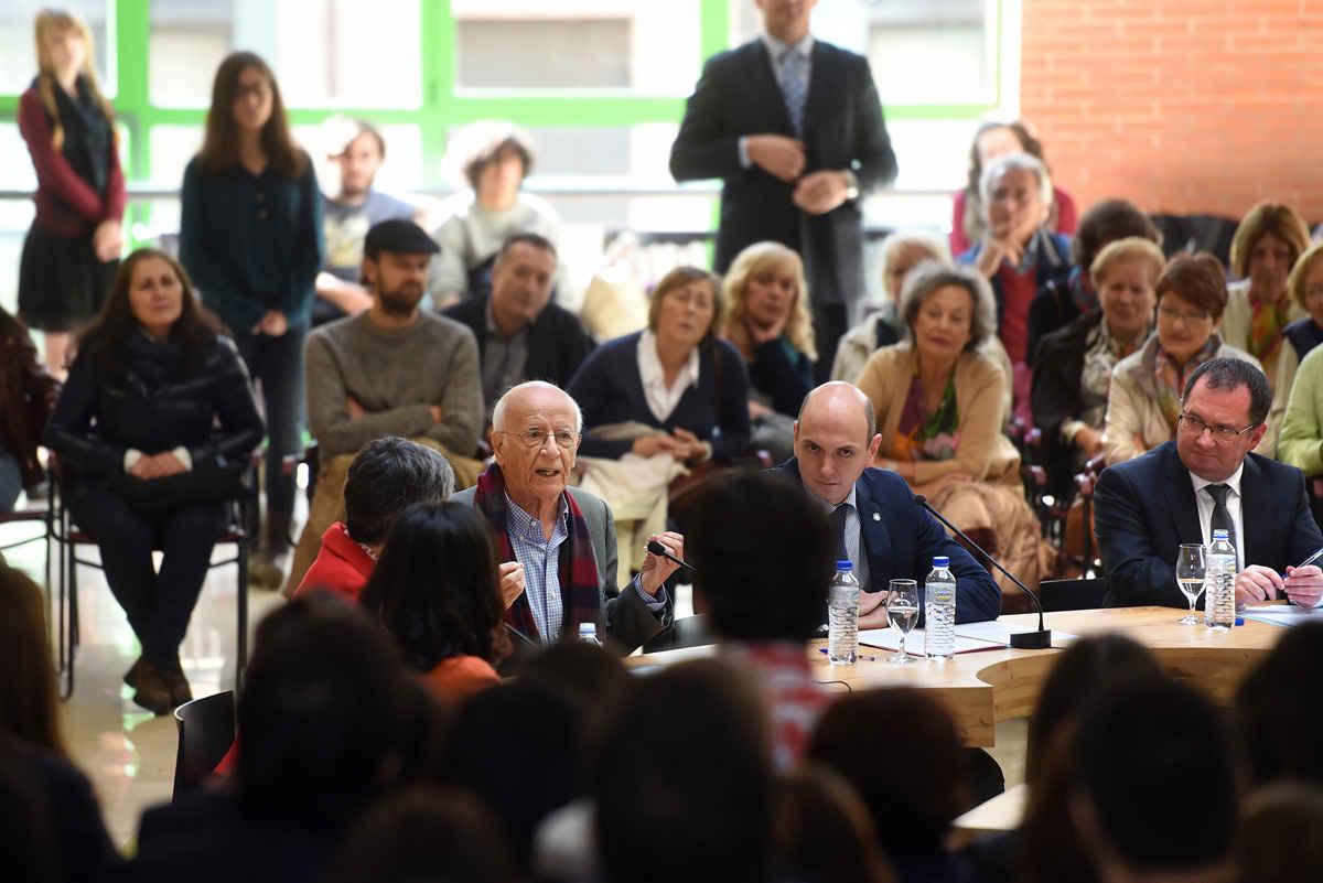 Encuentro de Emilio Lledó con estudiantes