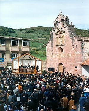Premio al Pueblo Ejemplar de Asturias 2000
