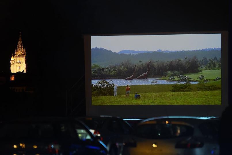 Autocine, proyección de Parque Jurásico (Steven Spielberg, 1993)