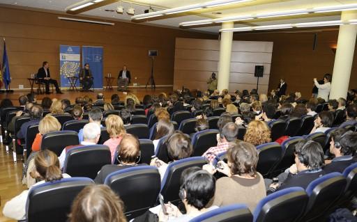Ismaíl Kadaré at his conference