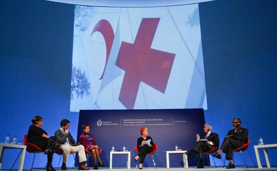 Encuentro de responsables del Movimiento Internacional de la Cruz Roja y de la Media Luna Roja con corresponsales