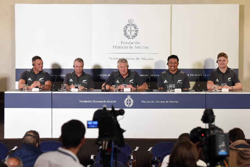 Press conference with All Blacks