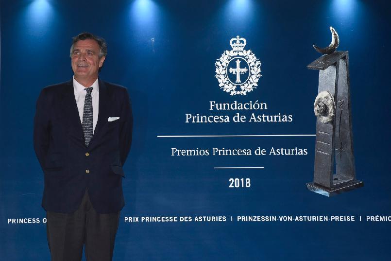 Arrival of Álvaro Rengifo