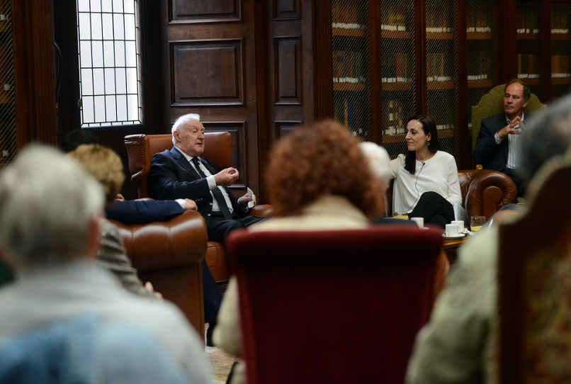 """""""Tazones de Historia"""" con Joseph Pérez, en Oviedo"""