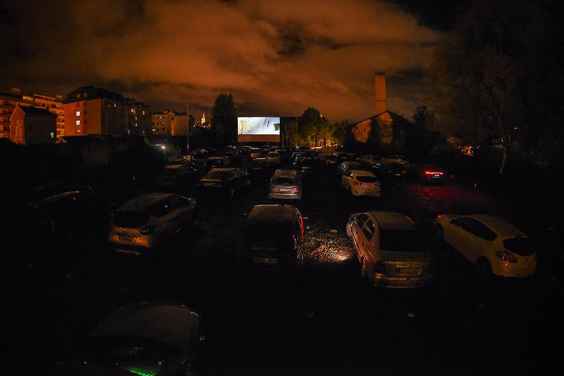 Drive-in Cinema. The Mission (Roland Joffé, 1986).