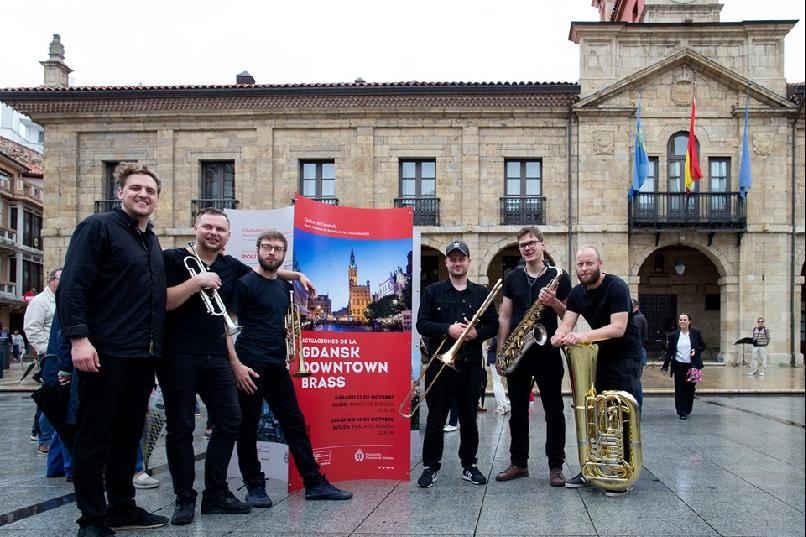 """Actuación """"Gdansk Downtown Brass"""""""