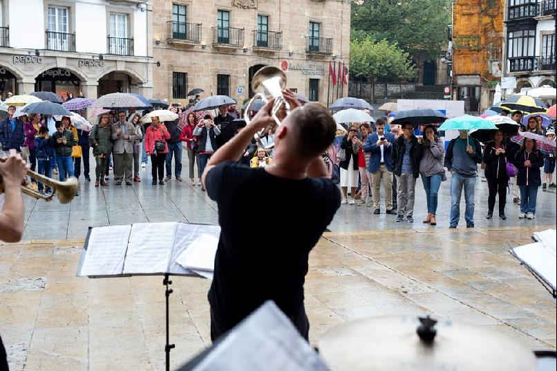 "Performance: ""Gdansk Downtown Brass"""