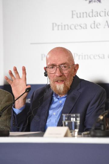Press conference with Barry C. Barish, Rainer Weiss, Kip S. Thorne and Laura Cadonati (LIGO)