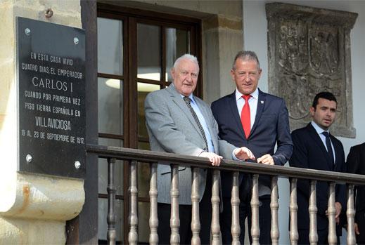 """""""Tazones de Historia"""", Joseph Pérez en Villaviciosa"""
