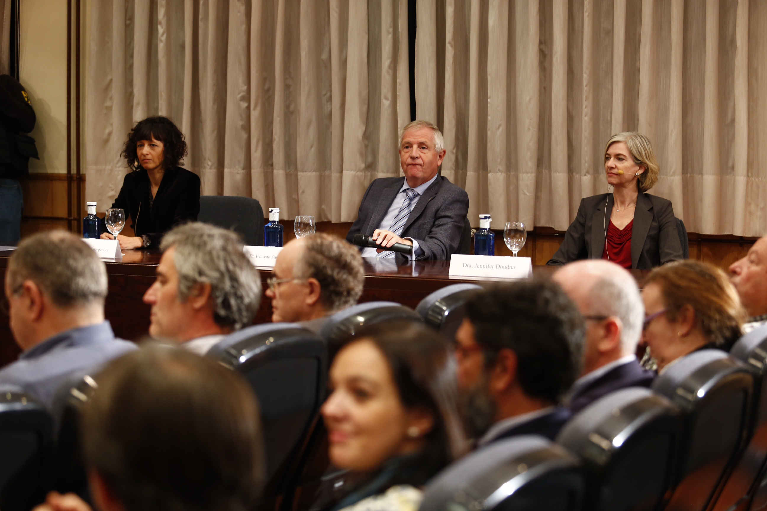 Conferencia Emmanuelle Charpentier y Jennifer Doudna