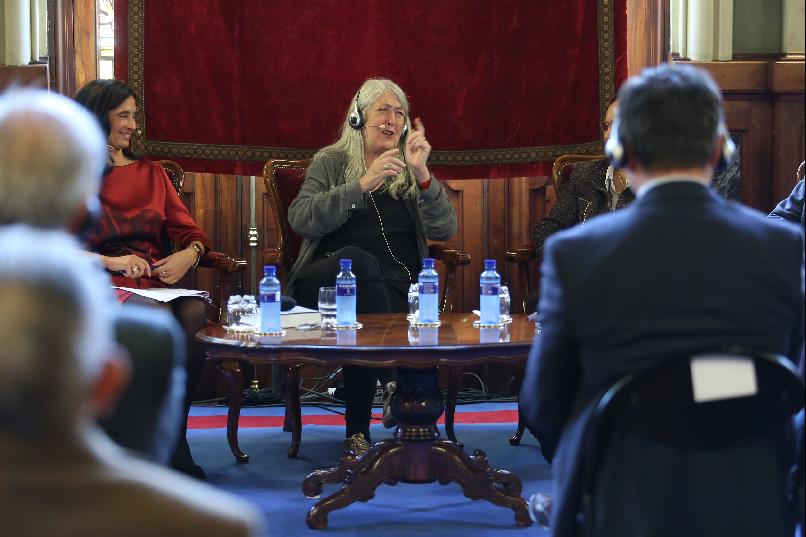 """Mary Beard: Lessons from the Past"""