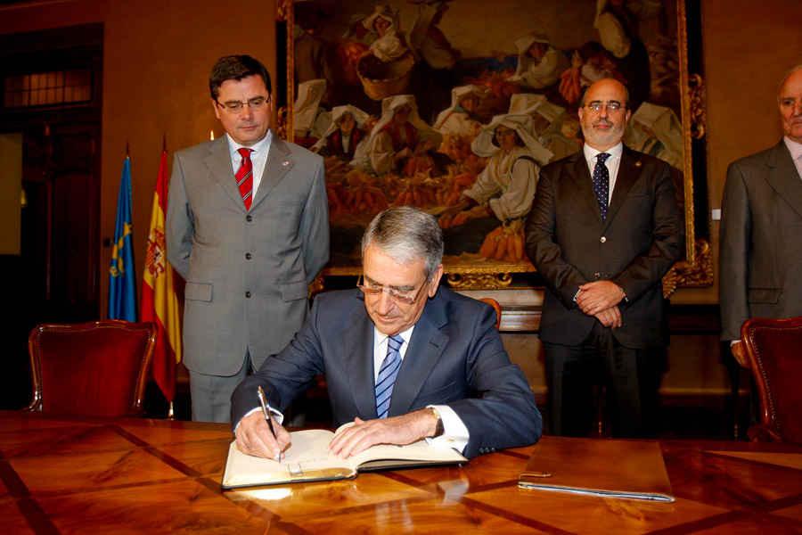 Visita a la Junta General del Principado de Asturias