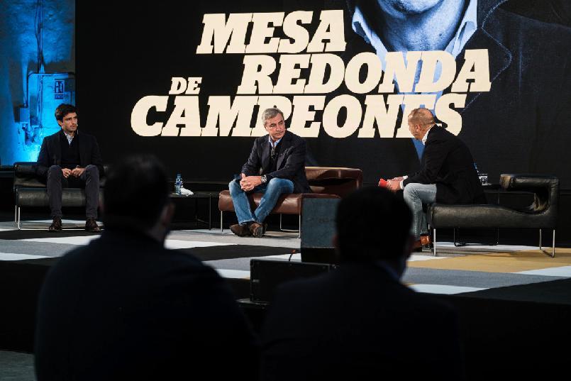 """Mesa redonda de campeones"""