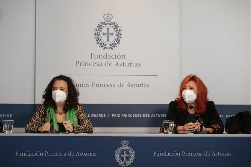 Press conference with Cristina Fuentes La Roche and María Sheila Cremaschi, representatives of Hay Festival of Literature & Arts