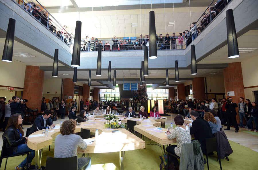 Visita a la Facultad de Filosofía y Letras de la Universidad de Oviedo