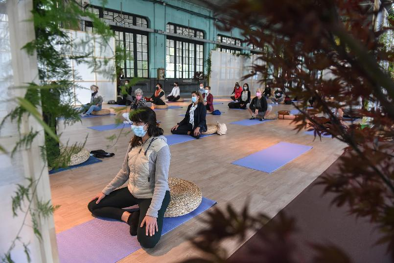 """Body and Mind Space. """"Yoga for Readers""""."""