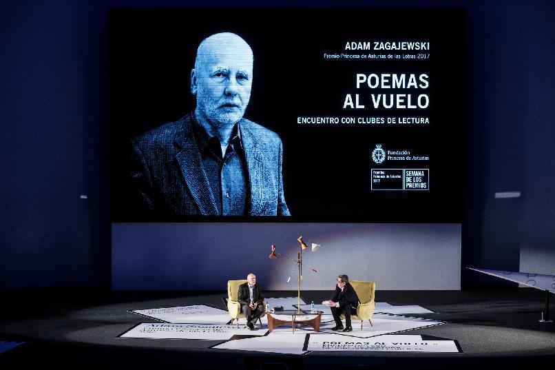 """""""Poemas al vuelo"""""""