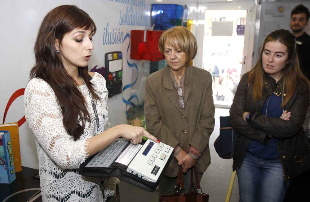 Exposición y exhibiciones de la ONCE en Avilés