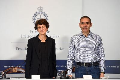 Press conference with Uğur Şahin and Özlem Türeci