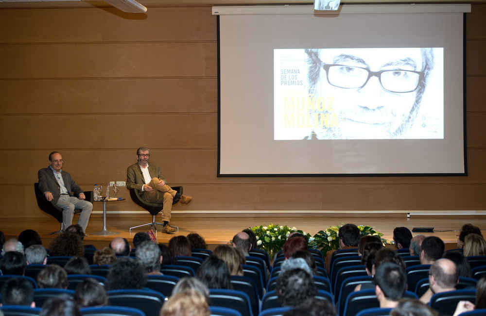 Antonio Muñoz Molina visiting the University of Oviedo